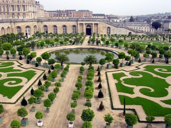 Decorazioni giardino consigli d 39 estate risorseonline for Decorazioni giardino online